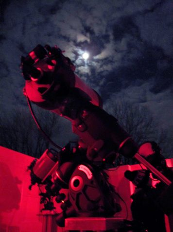 Shooting for the moon: Children and parents study the stars at Observatory's Family Night