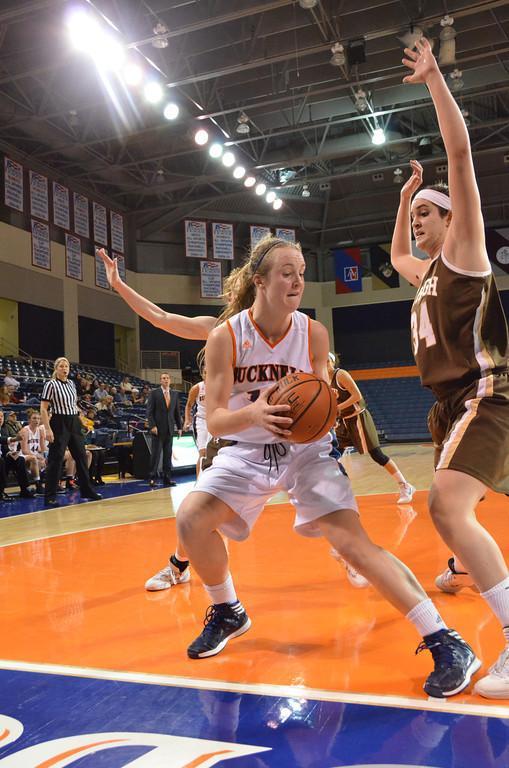 Women's basketball falls to Boston U, rebounds against Lehigh