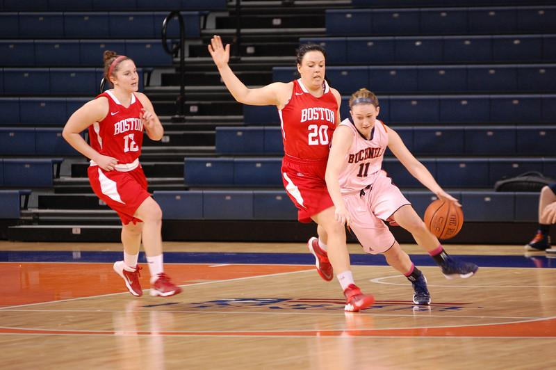 Women's basketball clinches first round bye with victories over Boston U, Lehigh