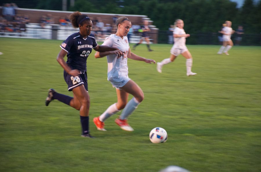 Women's soccer tallies 13 goals in two dominant wins