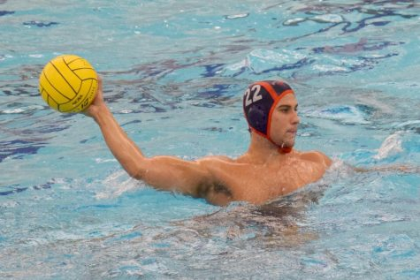 Men's water polo achieves 10th consecutive home win