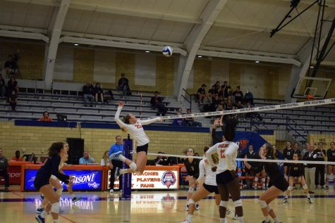 Richards beats volleyball record in victory over Lehigh