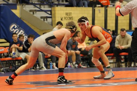 Wrestling falls short to Army West Point, Smith wins 100th career fight