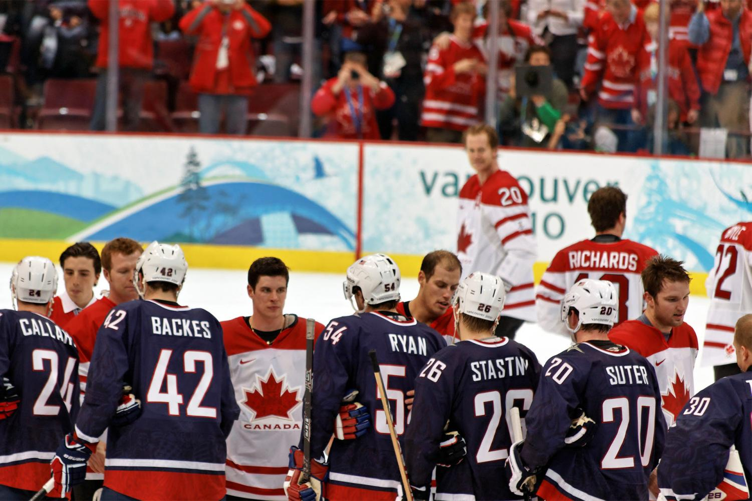 USA women's hockey team falls to Canada, 2-1