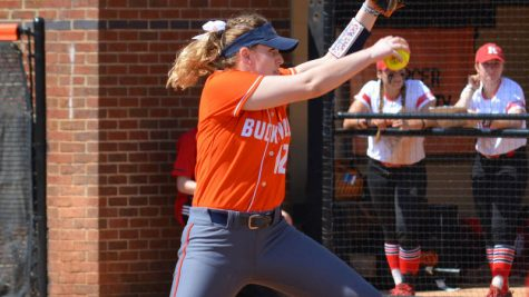 Softball wins eighth straight game