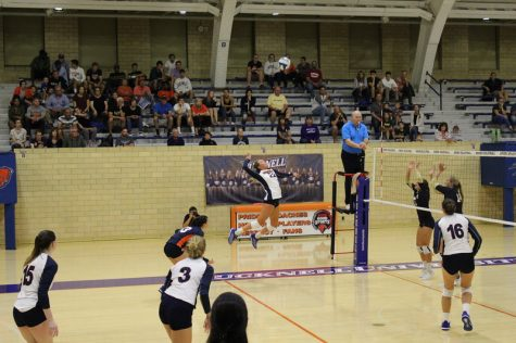Volleyball drops two in opening league weekend