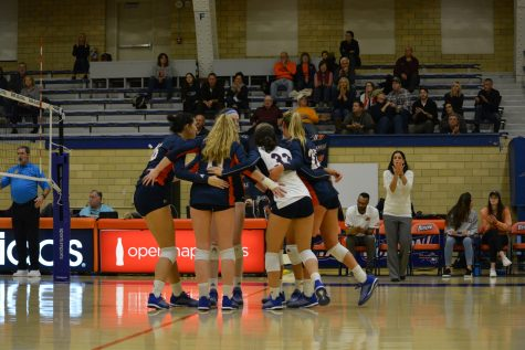 Volleyball continues tough season with two losses