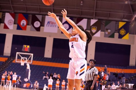 Women's basketball pulls out impressive win in home opener