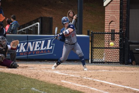 Softball begins conference play, sweeps Lafayette