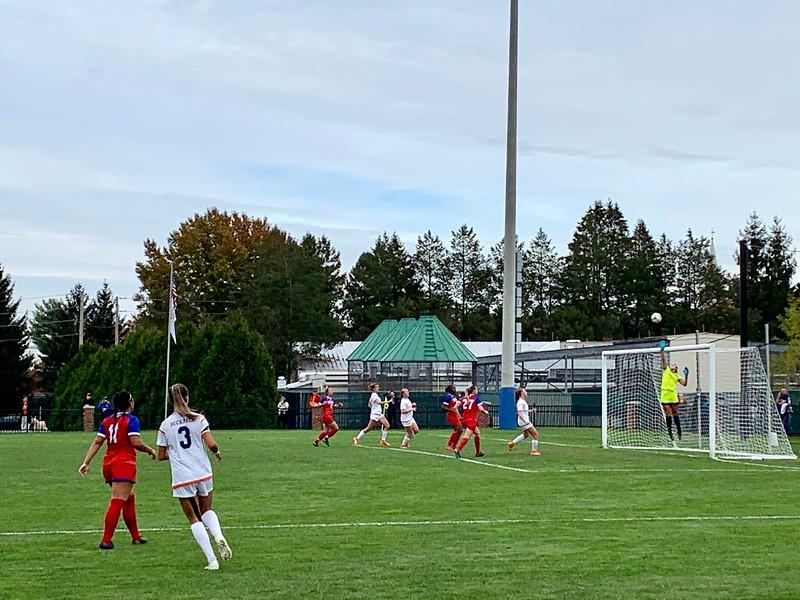 Women's soccer ties on Senior Day