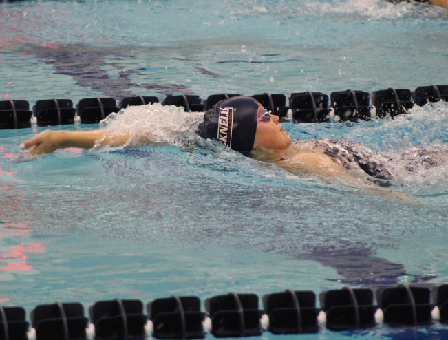 Swimming+and+diving+splits+weekend+at+Loyola