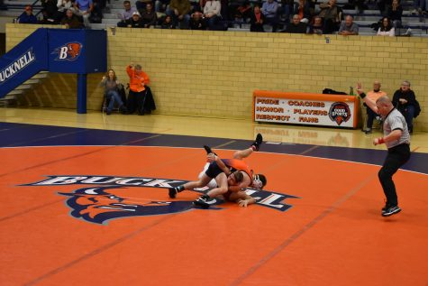 Wrestling bests Sacred Heart and Drexel