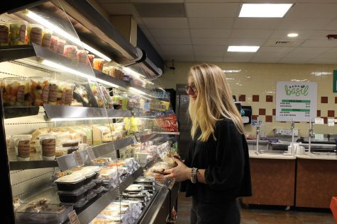 Investigative News: University Dining Services underfeeds, underpays