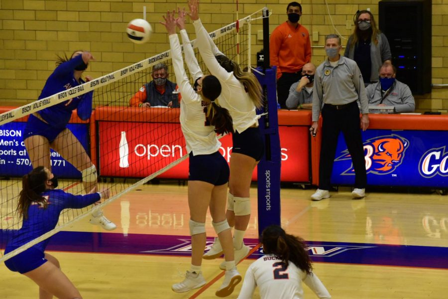Volleyball scores historic win