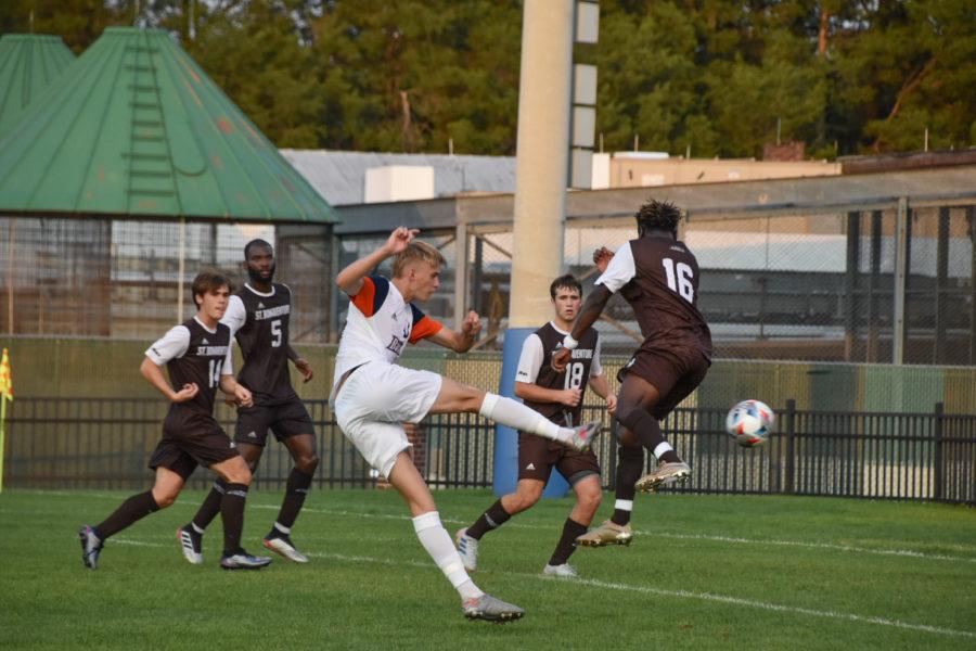 Men's Soccer Dominate Weekend